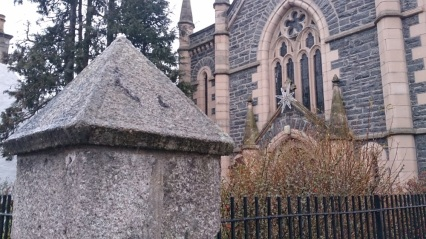Grantown_church